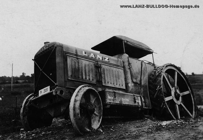 lanz bulldog with Album Aa Index on Skoda Liaz furthermore Unsere Oldtimers as well 4932227 lanz Eilbulldog Rood together with Watch as well Lanz Bulldog Bulldog Tractor 1537285.